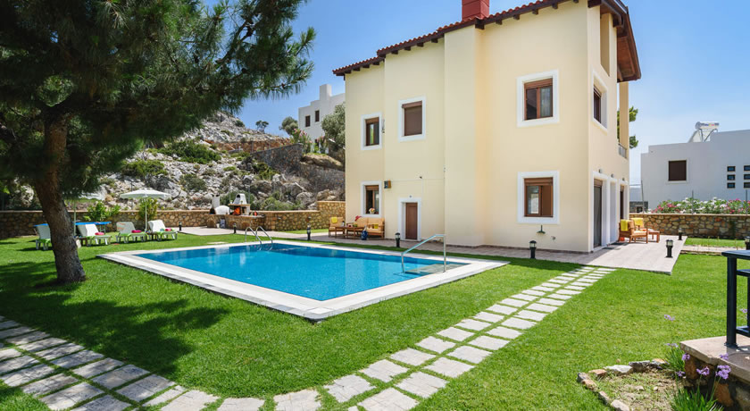 3 Bedroom Villa With Heated Pool