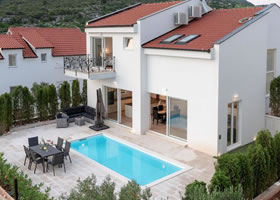 Luxury villa with a swimming pool Hvar Front View